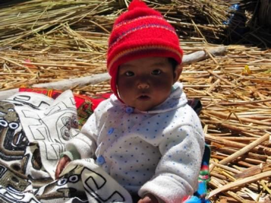 Circuit Pérou Enfant Uros Lac Titicaca Puno
